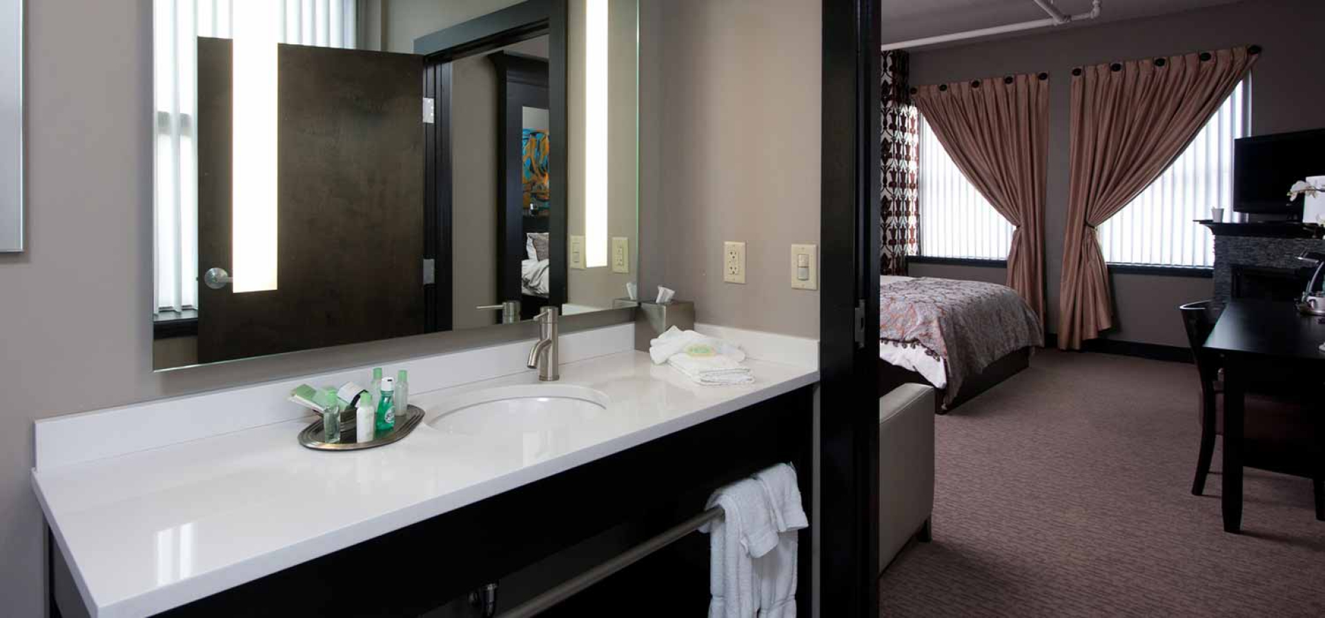 Bathroom Remodeling Niagara Falls Ny the giacomo hotel | luxury boutique hotel niagara falls, ny |