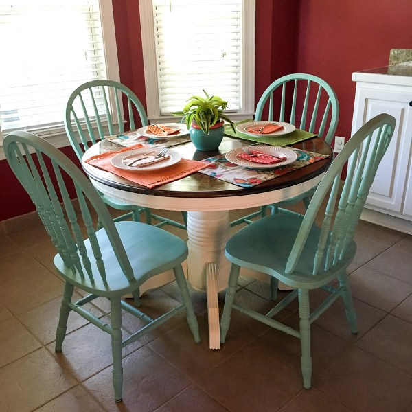 Turquoise and White Kitchen Table - A Chalk Paint Kitchen Table Makeover with Valspar Chalky Finish Paint in Beaded Reticule and Kid Gloves - The Gifted Gabber