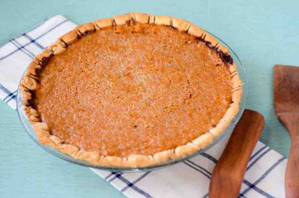 Cinnamon Carrot Pie will rival any pumpkin or sweet potato pie! #pierecipes #carrotrecipes - The Gifted Gabber