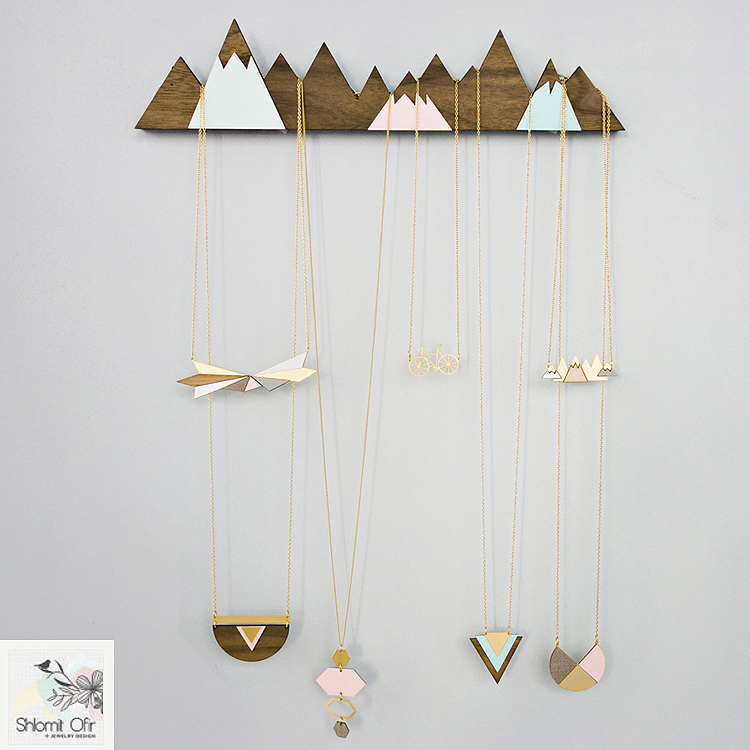 shlomitofir_mountains_jewelry_display
