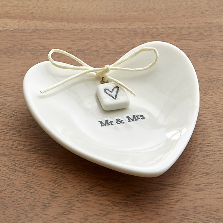 mr_mrs_dish_wedding_gift