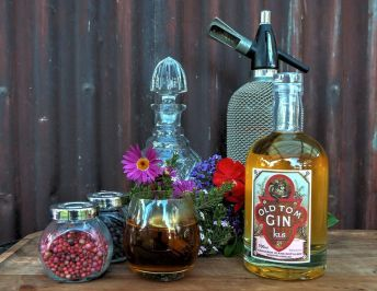 Kis gin review