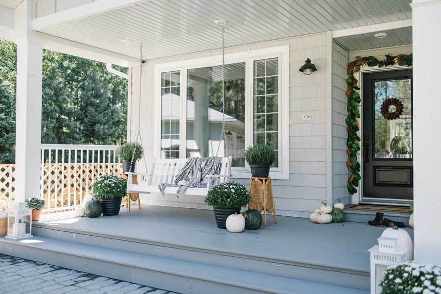A simple and neutral fall front porch