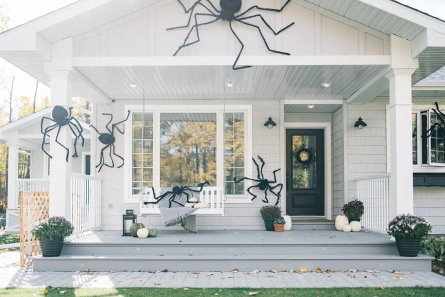 Giant spider halloween decor