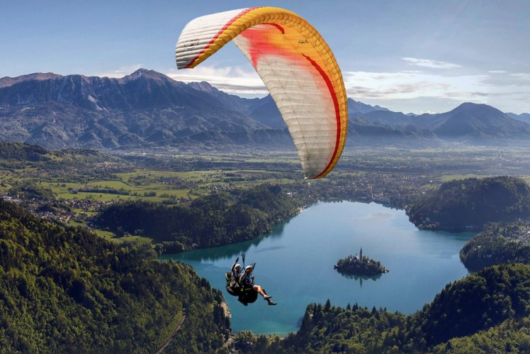 Paragliding-Lake-Bled