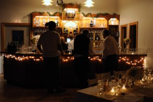 The bar is open during receptions - Photo credit Baker Photography