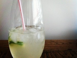 cucumber-collins-gin-cocktail