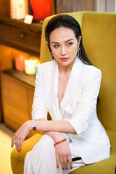 hot girl Hương Baby pictures at HappyLuke