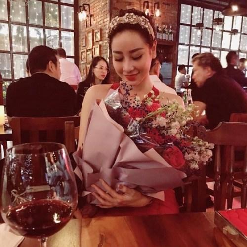 """Hot girl Meo Meo lên tiếng dằn mặt Helen Thanh Thảo  """"giật chồng"""""""