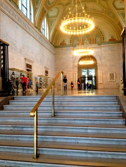 The (very) grandiose entryway of the D.I.A.