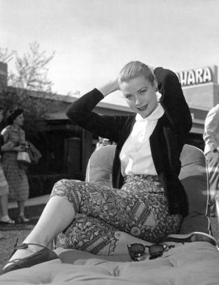 Grace Kelly in patterned pedal pushers