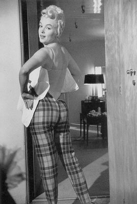 Marilyn in checked trousers