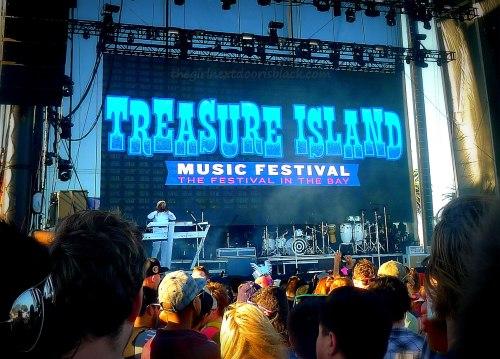Treasure Island Music Festival Stage 2014| The Girl Next Door is Black