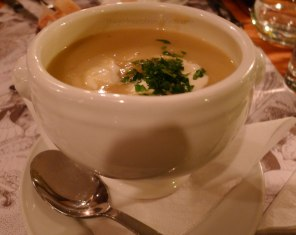 Parsnip Potato Leek Soup Spiseloppen | The Girl Next Door is Black