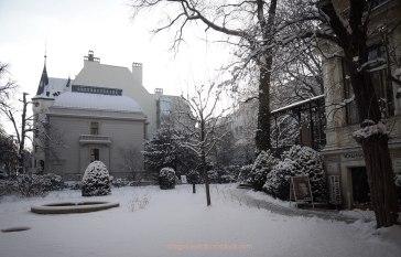 Outside Literaturhaus Berlin in snow