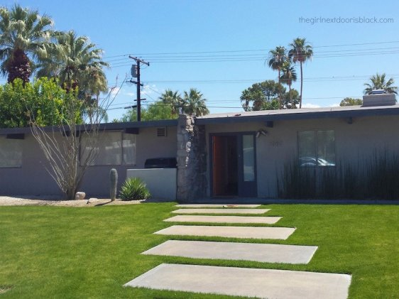 "Mid-Century Modern House in Palm Springs | From poolside underneath palm trees in the bright California sun, to fine dining at an award-winning restaurant, to a snowy nature to walk: Inside a fun-filled ""roaring 20s"" themed bachelorette weekend in Palm Springs - read more on The Girl Next Door is Black"