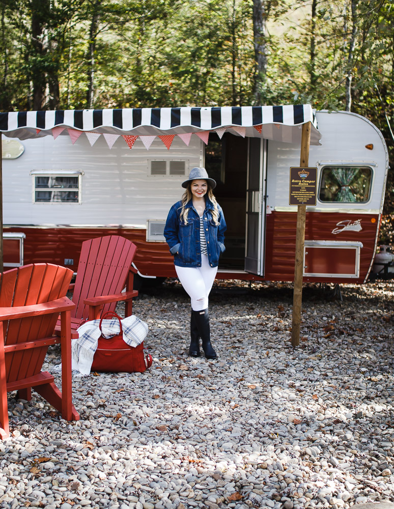 Glamping in the Smokies with the Vera Bradley Weekender + Giveaway! by Tennessee fashion blogger The Glitter Gospel