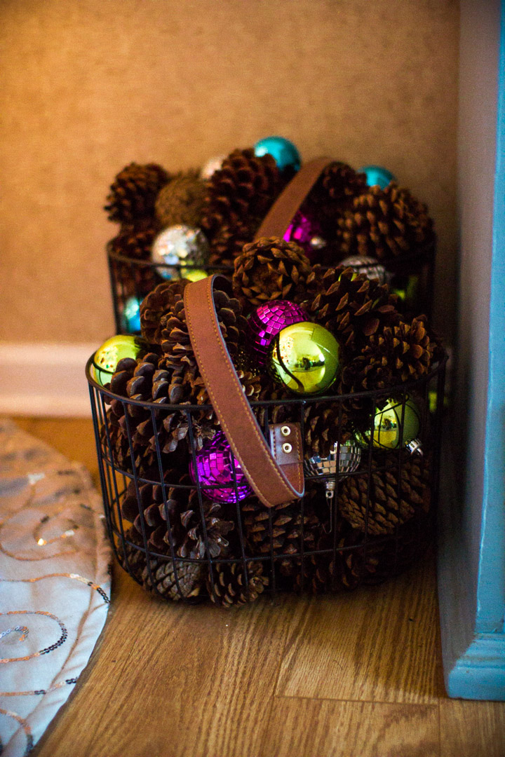 Holiday Home Decor Tour with The Glitter Gospel. Bar Cart, Letter Board, Pink Letter Board, Packed Party, Disco Ball Drink, Live Garland, Trader Joes, Decor under $20, DIY holiday decor.