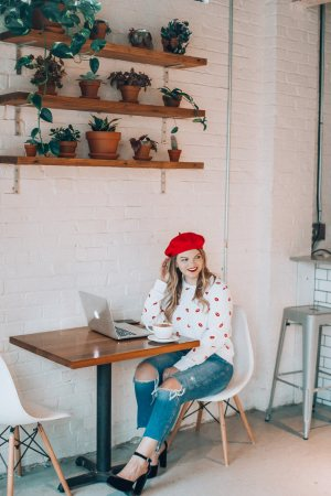 Parisian style Valentine's Day Outfit, The Glitter Gospel, Tennessee Blogger, Lip Print Sweatshirt, Red Beret, Mom Jeans, Platform Mary Janes, Remedy Coffee Knoxville.