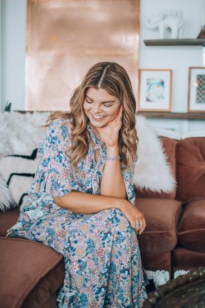 Spring Clean, Lifestyle Refresh, How to De-Clutter your Mind, See by Chloe, The Hive Knoxville, Bohemian Decor, Blush Velvet Couch, The Glitter Gospel, Tennessee Blogger