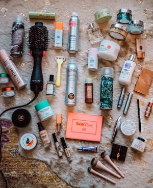 Best of Beauty 2019. Top Tennessee life + style blogger Lacey Anne Douthat from The Glitter Gospel breaks down her best of 2019 beauty purchases. Beauty routine, drunk elephant, pixi beauty, loreal mascara, bambi eye mascara, Kenra,IGK dry shampoo, urban decay 24/7 eyeliner, bali body sunless tanner.