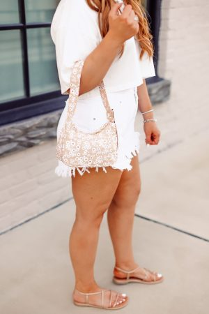 Easy Summer Outfits Under $50 with Target with The Glitter Gospel Blog. Summer outfits, denim shorts, bermuda shorts, easy outfits, outfits under $50, Pinterest outfits, wild fable, free people dupes, converse high tops