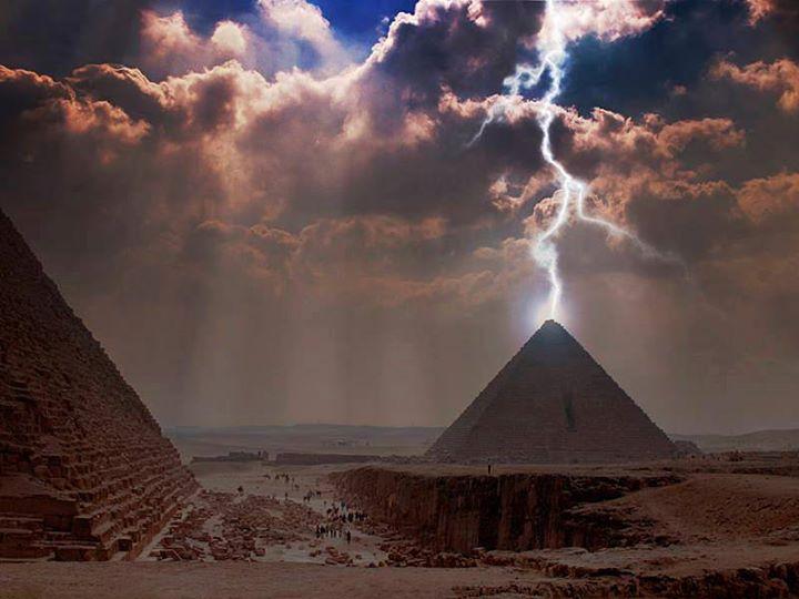 lightning pyramid