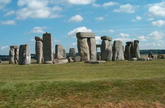 Stonehenge 5,000 Years Older Than Thought