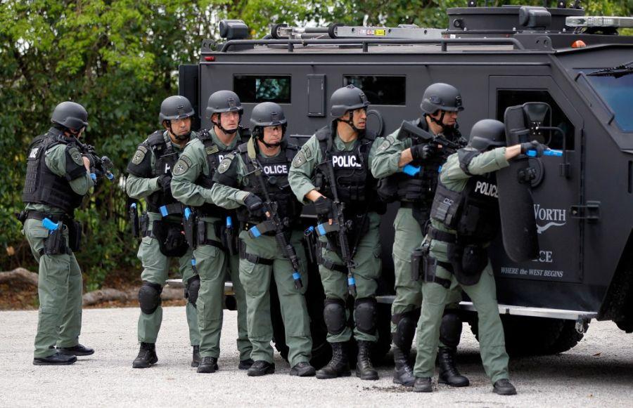 Police-SWAT-Team-1024×661