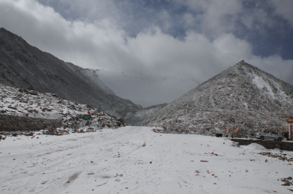 Changla Pass - the drive in