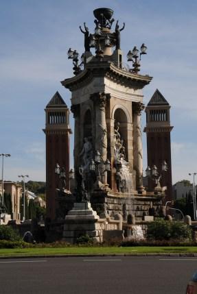 Plaza Espanya Fuente - flanked by Venetian Towers