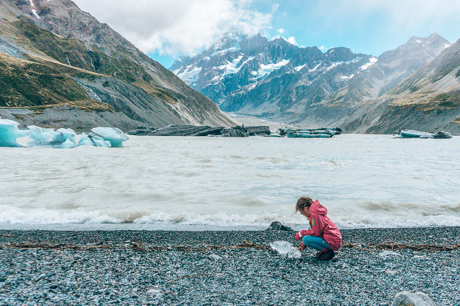 Hooker Valley Lake Ice Berg Glacier Mount Cook Aoraki