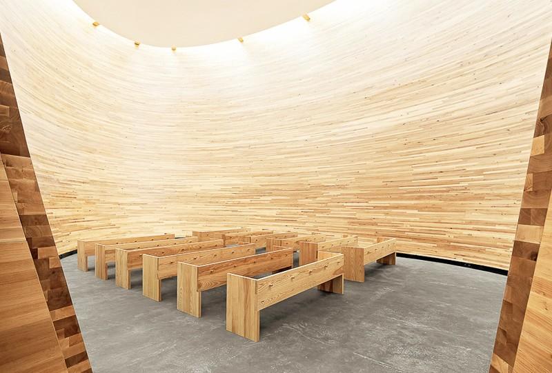 chapelle du silence de Kamppi helsinki finlande a voir