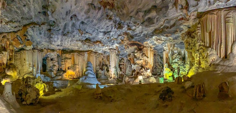 things to do in oudtshoorn cango caves