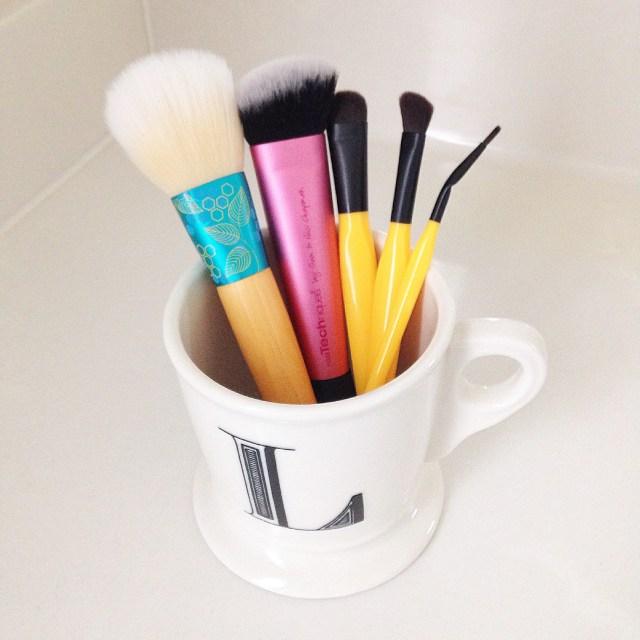 paris presents brushes
