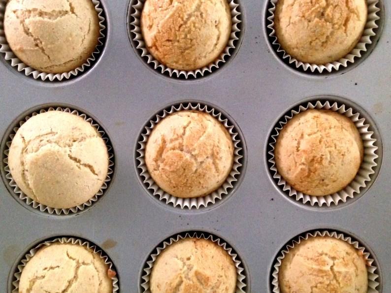 Baked Vanilla Cupcakes