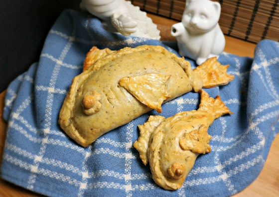 Mackerel Hand Pies inspired by Ser Pounce a Lot and Anders from Dragon Age: Awakening. Recipe by The Gluttonous Geek.