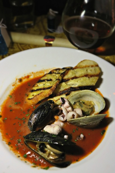 Black Lake Cioppino in The Gluttonous Geek's recap of the 2016 Hogwarts Yule Dinner at Battle and Brew.