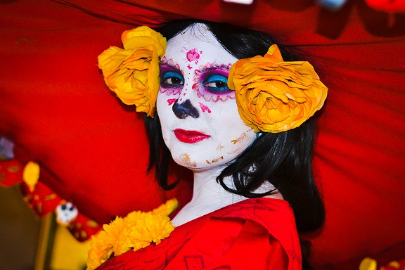 Pan de La Muerte with a Horchata Glaze inspired by The Book of Life. Cosplay by Jessi Stephens. Recipe by The Gluttonous Geek.