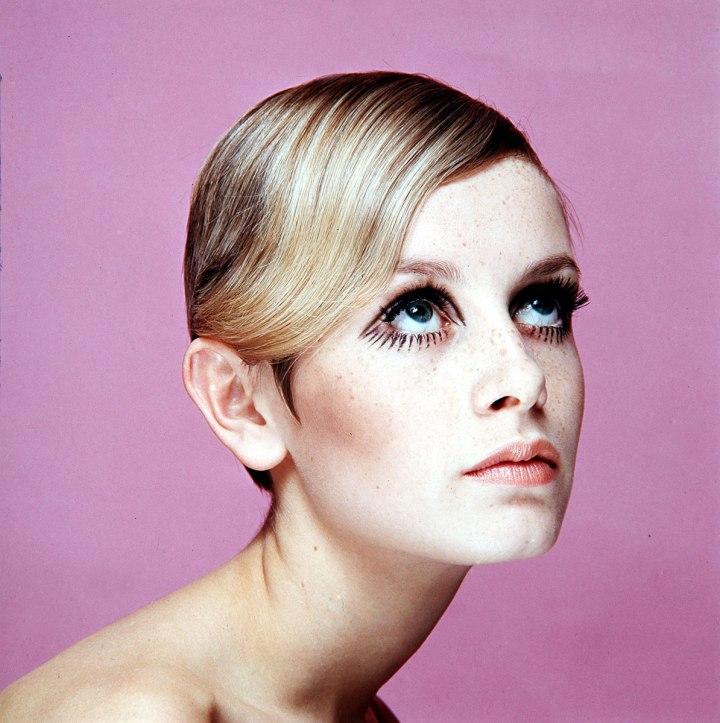 twiggy-cut-crease-occhi-make-up