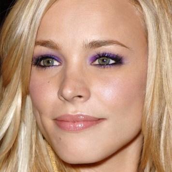 bionda ombretto viola pantone ultra violet