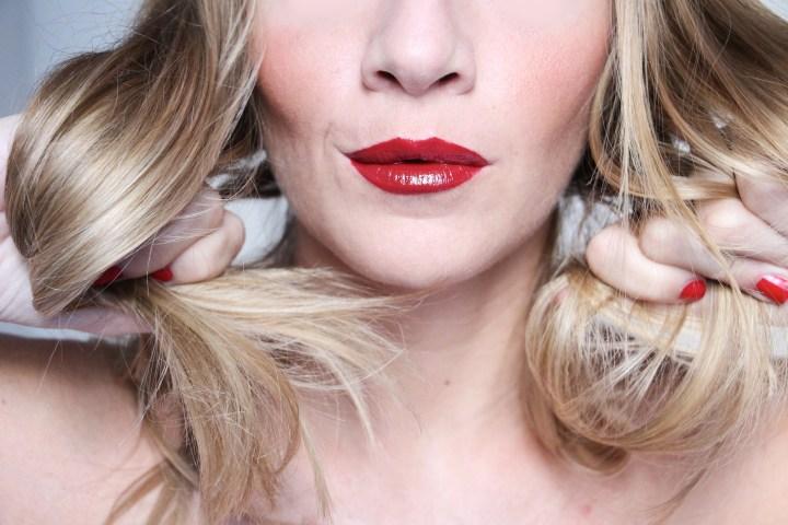 Come avere capelli sani, luminosi e forti dopo l'estate