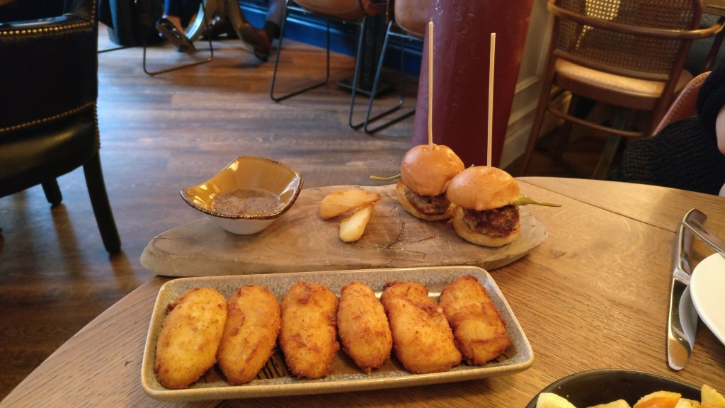 croquettes and iberica burgers