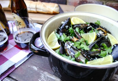 The Good Greeff - Marseille mussels with a creamy white wine sauce and crusty bread