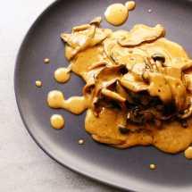 Mixed mushroom sauce