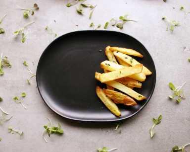Crispy hand cut potato chips
