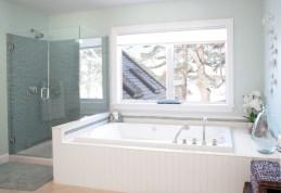 photo of master bathroom tub