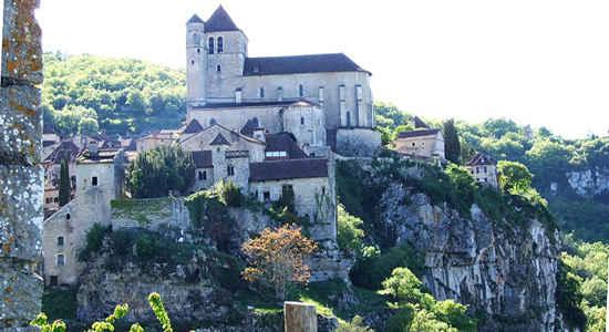 St-Cirq-Lapopie CC Wikimedia Commons Wivoelke cmp