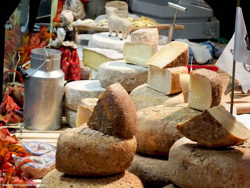 market calais cheese stall
