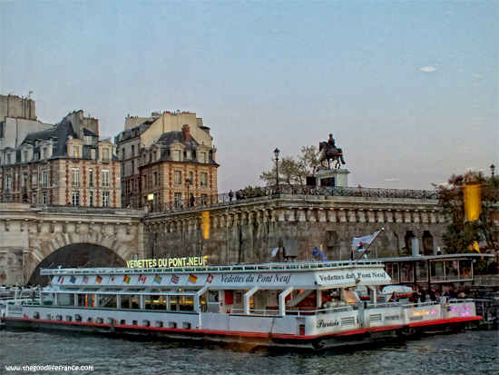ways to travel in paris by boat